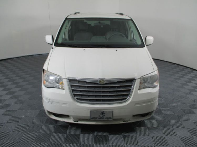2010 Chrysler Town and Country Touring Wheelchair Van For Sale #18