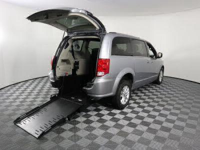 Commercial Wheelchair Vans for Sale - 2019 Dodge Grand Caravan SXT ADA Compliant Vehicle VIN: 2C4RDGCG3KR543395