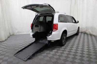 Commercial Wheelchair Vans for Sale - 2017 Dodge Grand Caravan SXT ADA Compliant Vehicle VIN: 2C4RDGCG6HR698239