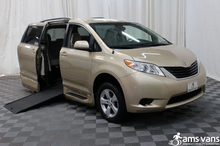 and s reviews angularfront cars other sienna world toyota report pictures news u trucks years vans prices