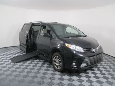 Commercial Wheelchair Vans for Sale - 2018 Toyota Sienna XLE ADA Compliant Vehicle VIN: 5TDYZ3DC4JS926561