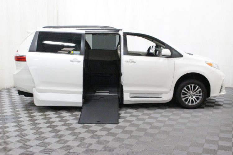 2018 Toyota Sienna XLE Wheelchair Van For Sale #2