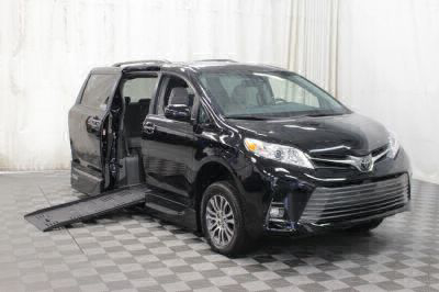 Handicap Van for Sale - 2018 Toyota Sienna XLE Wheelchair Accessible Van VIN: 5TDYZ3DC1JS935928