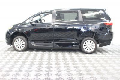 2017 Toyota Sienna Wheelchair Van For Sale -- Thumb #19