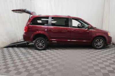 Commercial Wheelchair Vans for Sale - 2017 Dodge Grand Caravan SXT ADA Compliant Vehicle VIN: 2C4RDGCG9HR617234
