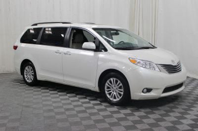 Commercial Wheelchair Vans for Sale - 2017 Toyota Sienna XLE ADA Compliant Vehicle VIN: 5TDYZ3DC7HS824326