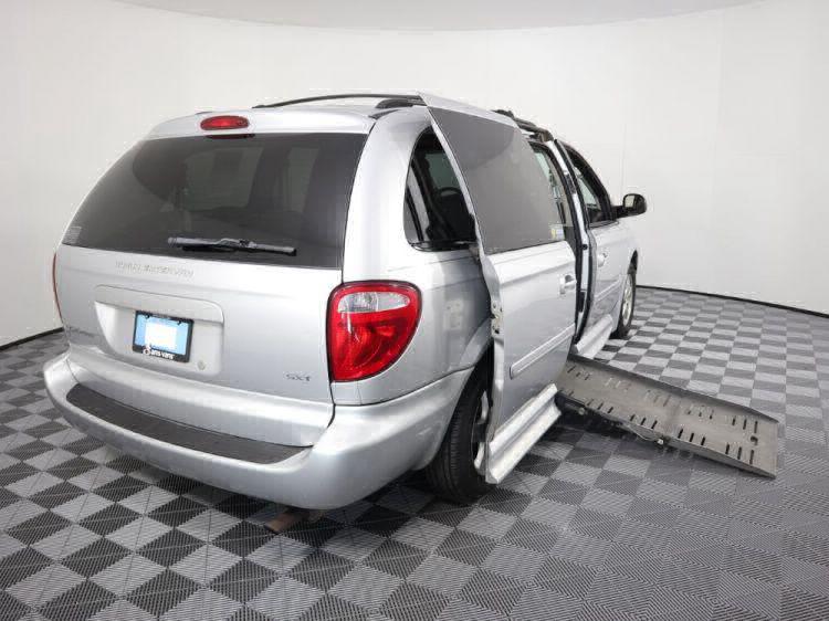 2006 Dodge Grand Caravan SXT Wheelchair Van For Sale #5