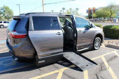 Handicap Van for Sale - 2018 Toyota Sienna XLE Wheelchair Accessible Van VIN: 5TDYZ3DC9JS918276