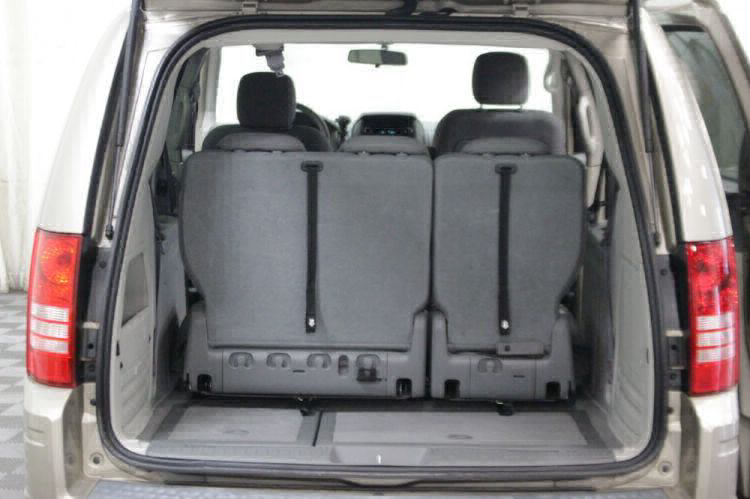 2009 Chrysler Town and Country LX Wheelchair Van For Sale #6