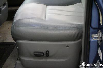 2007 Dodge Grand Caravan Wheelchair Van For Sale -- Thumb #17
