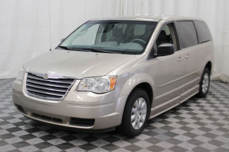 2009 Chrysler Town and Country LX Wheelchair Van For Sale #35