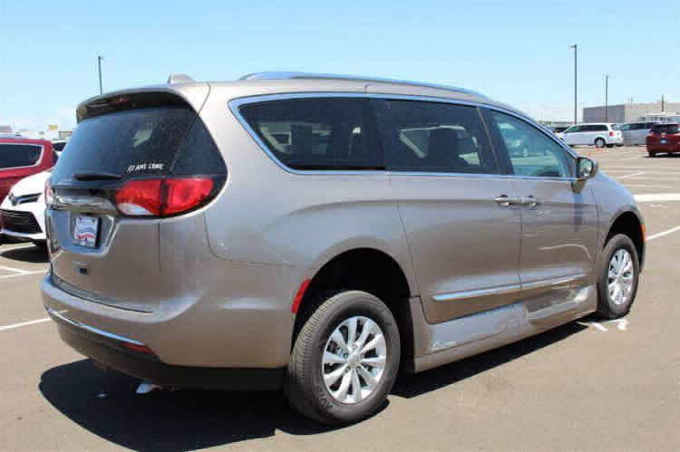 2018 Chrysler Pacifica Touring L Wheelchair Van For Sale #2