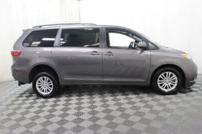 2017 Toyota Sienna Wheelchair Van For Sale -- Thumb #6