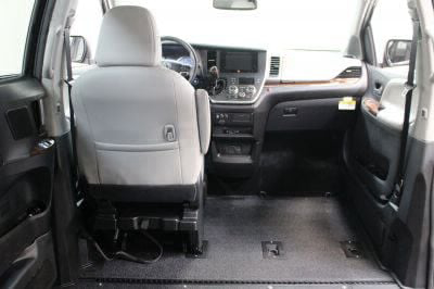 2017 Toyota Sienna Wheelchair Van For Sale -- Thumb #8