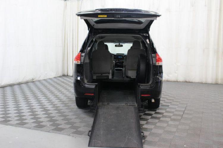 2014 Toyota Sienna LE Wheelchair Van For Sale #3
