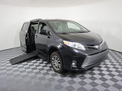 Commercial Wheelchair Vans for Sale - 2019 Toyota Sienna XLE ADA Compliant Vehicle VIN: 5TDYZ3DC9KS970282