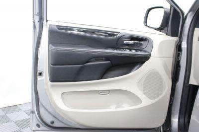 2017 Dodge Grand Caravan Wheelchair Van For Sale -- Thumb #22