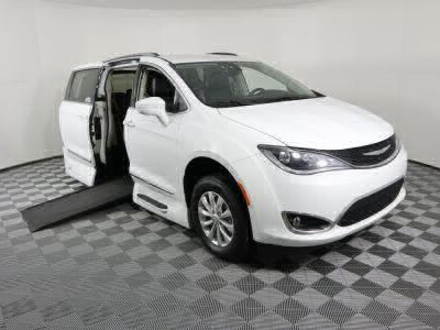Used Wheelchair Van for Sale - 2018 Chrysler Pacifica Touring L Wheelchair Accessible Van VIN: 2C4RC1BG0JR192851