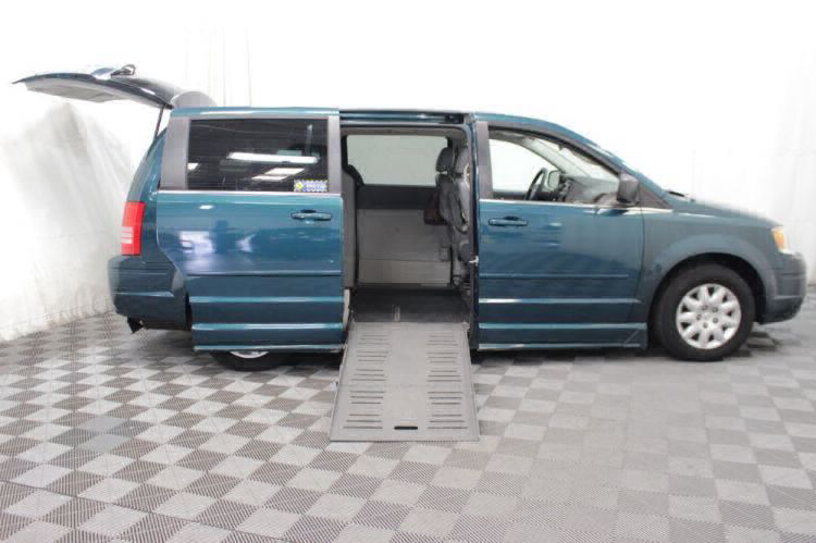 2009 Chrysler Town and Country LX Wheelchair Van For Sale #13