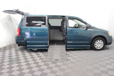 2009 Chrysler Town and Country Wheelchair Van For Sale -- Thumb #13