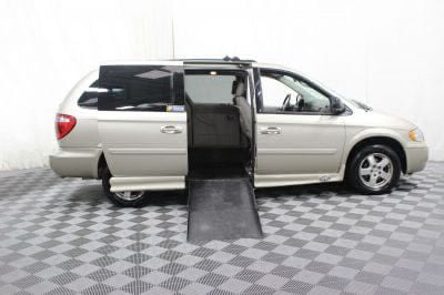 Used Wheelchair Van for Sale - 2005 Dodge Grand Caravan SXT Wheelchair Accessible Van VIN: 2D4GP44L25R256887
