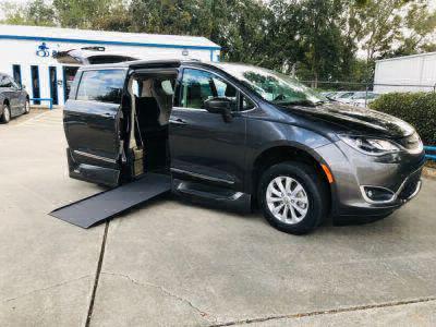 Used Wheelchair Van for Sale - 2018 Chrysler Pacifica Touring-L Wheelchair Accessible Van VIN: 2C4RC1BG6JR110458