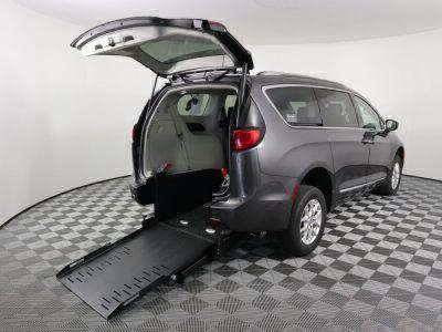 Commercial Wheelchair Vans for Sale - 2020 Chrysler Pacifica Touring L ADA Compliant Vehicle VIN: 2C4RC1BG3LR116009