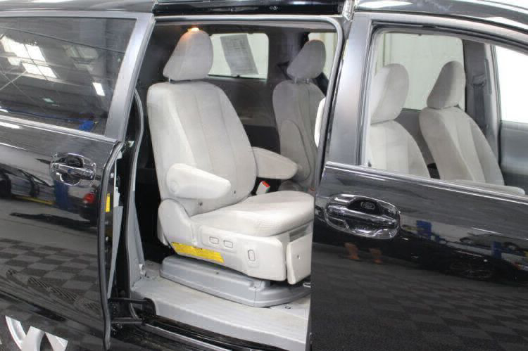 2014 Toyota Sienna LE Wheelchair Van For Sale #41