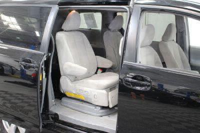 2014 Toyota Sienna Wheelchair Van For Sale -- Thumb #41