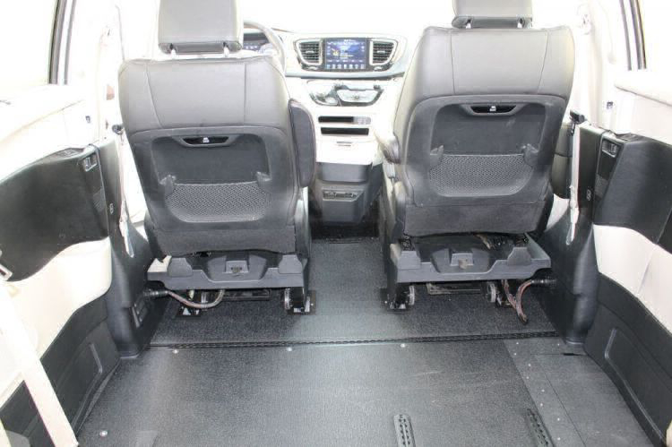 2018 Chrysler Pacifica Touring L Wheelchair Van For Sale #16