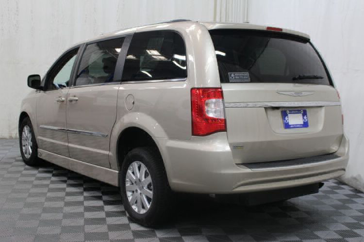 2014 Chrysler Town and Country Touring Wheelchair Van For Sale #9