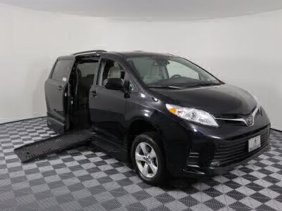 Handicap Van for Sale - 2018 Toyota Sienna LE Wheelchair Accessible Van VIN: 5TDKZ3DC9JS927971