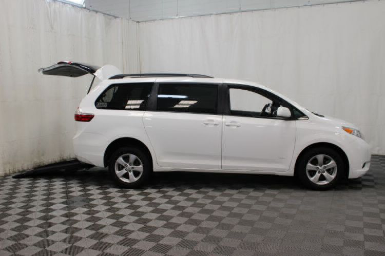 2015 Toyota Sienna LE Wheelchair Van For Sale #4