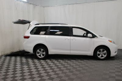 2015 Toyota Sienna Wheelchair Van For Sale -- Thumb #4