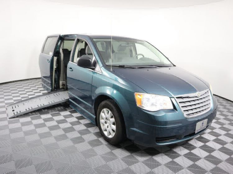 2009 Chrysler Town and Country LX Wheelchair Van For Sale #1