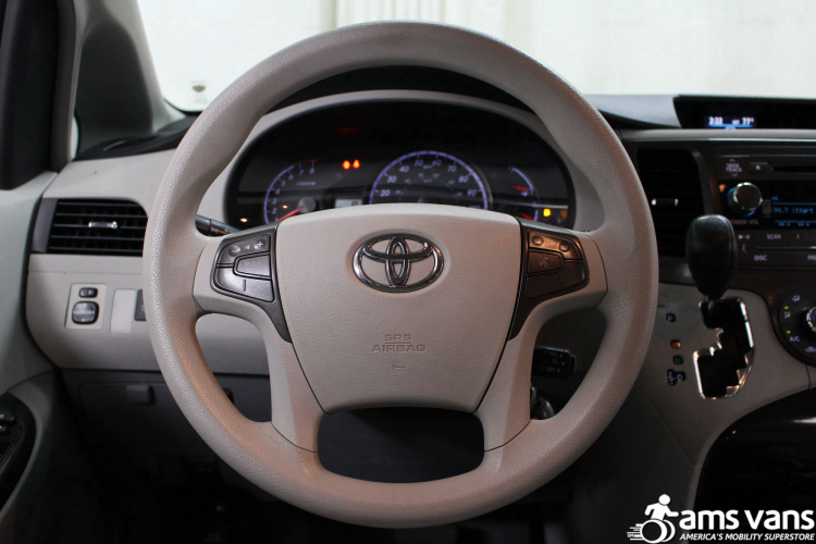 2011 Toyota Sienna LE Wheelchair Van For Sale #16