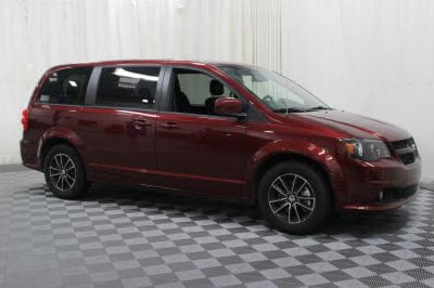 Commercial Wheelchair Vans for Sale - 2018 Dodge Grand Caravan SE Plus ADA Compliant Vehicle VIN: 2C4RDGBG6JR198654