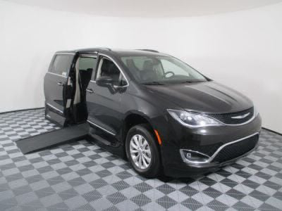 Used Wheelchair Van for Sale - 2018 Chrysler Pacifica Touring L Wheelchair Accessible Van VIN: 2C4RC1BG8JR110445