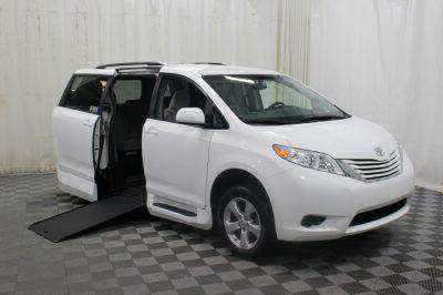 Commercial Wheelchair Vans for Sale - 2017 Toyota Sienna LE ADA Compliant Vehicle VIN: 5TDKZ3DC3HS836236