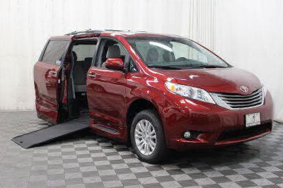 New 2017 Toyota Sienna XLE 7-Passenger Auto Access Seat Wheelchair Van