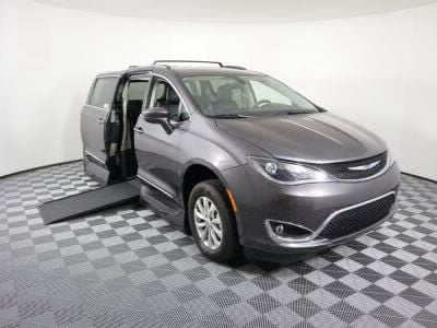 Used Wheelchair Van for Sale - 2018 Chrysler Pacifica Touring L Wheelchair Accessible Van VIN: 2C4RC1BG1JR118970