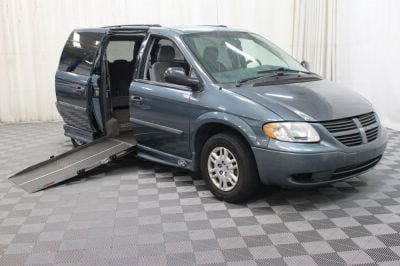 Used Wheelchair Van for Sale - 2006 Dodge Grand Caravan SE Wheelchair Accessible Van VIN: 1D4GP24R26B555479
