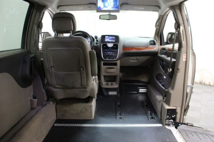 2014 Chrysler Town and Country Touring Wheelchair Van For Sale #26