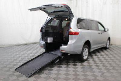 Commercial Wheelchair Vans for Sale - 2020 Toyota Sienna L 7-Passenger ADA Compliant Vehicle VIN: 5TDZZ3DC3LS029674