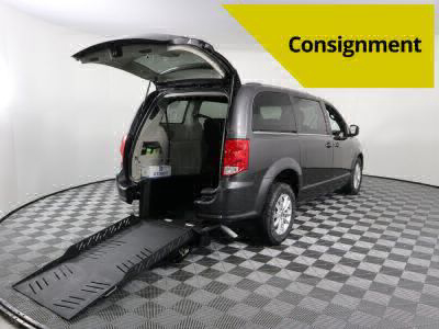 Commercial Wheelchair Vans for Sale - 2019 Dodge Grand Caravan SXT ADA Compliant Vehicle VIN: 2C4RDGCG3KR754032
