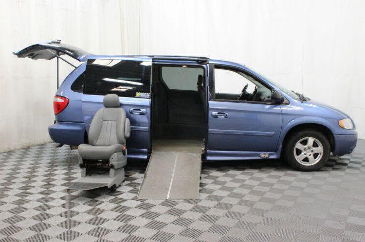 2007 Dodge Grand Caravan SXT SXT Wheelchair Van For Sale #4