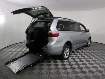 Commercial Wheelchair Vans for Sale - 2020 Toyota Sienna LE ADA Compliant Vehicle VIN: 5TDKZ3DC0LS056929