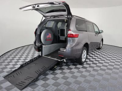 New Wheelchair Van for Sale - 2018 Toyota Sienna LE Wheelchair Accessible Van VIN: 5TDKZ3DC5JS909001
