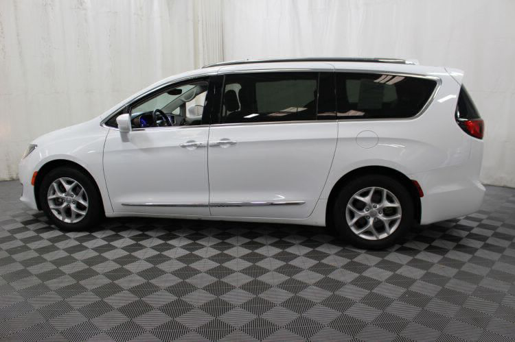 2018 Chrysler Pacifica Touring L Wheelchair Van For Sale #8