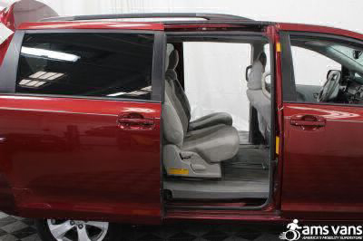 2013 Toyota Sienna Wheelchair Van For Sale -- Thumb #6